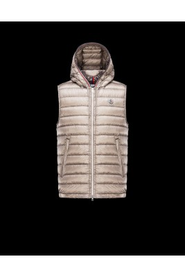 2017 New Style Moncler Mens Down Vest Fashion Hooded Zip Apricot
