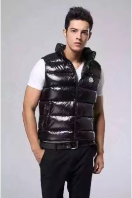2018 Moncler Vests For Men 163839 Black Wine Red